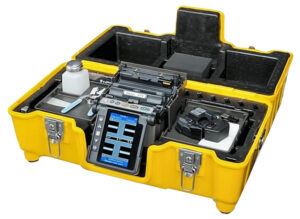 This Fiber Optic Fusion Splice Kit provides the technician with the necessary equipment to perform fast, reliable fusion splices in a variety of field settings.